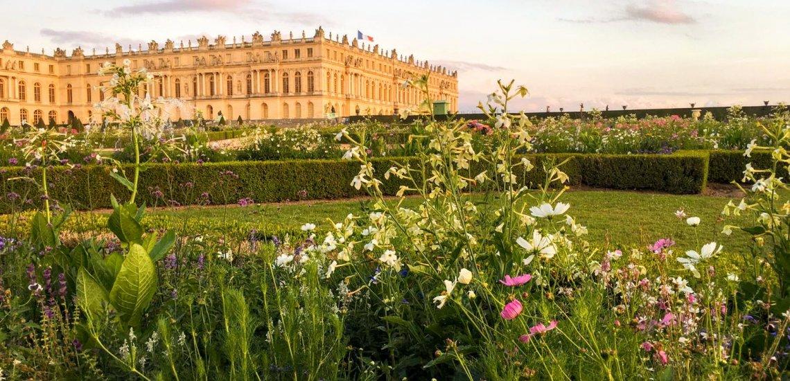 Le Château de Versailles vu des jardins