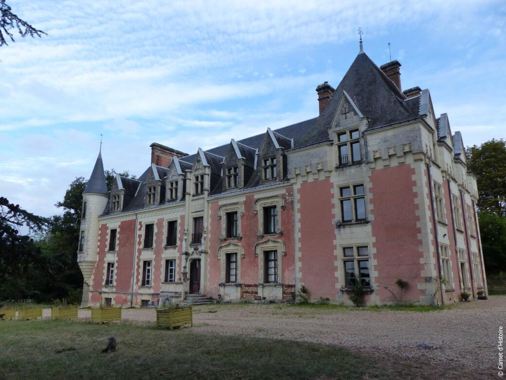 façade du château de Rys en Touraine