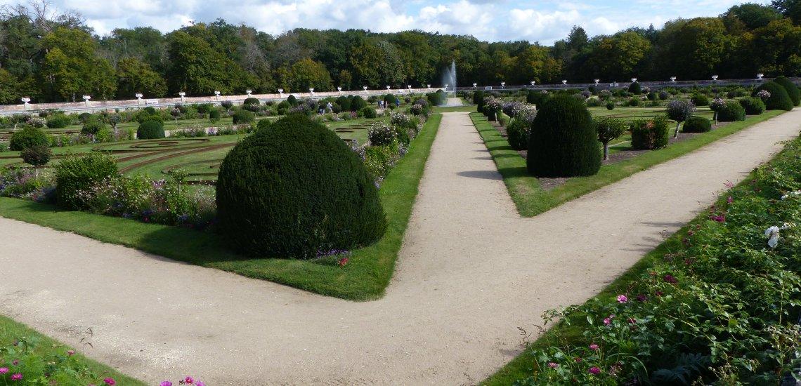 Vue sur le Jardin Diane de Poitiers du Château de Chenonceau