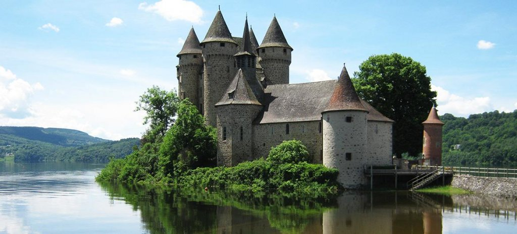 Château de Val les pieds dans l'eau