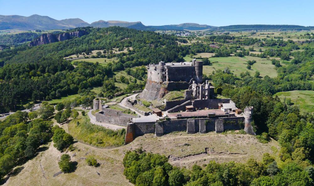 Château de Murol par l'Office de Tourisme du Sancy