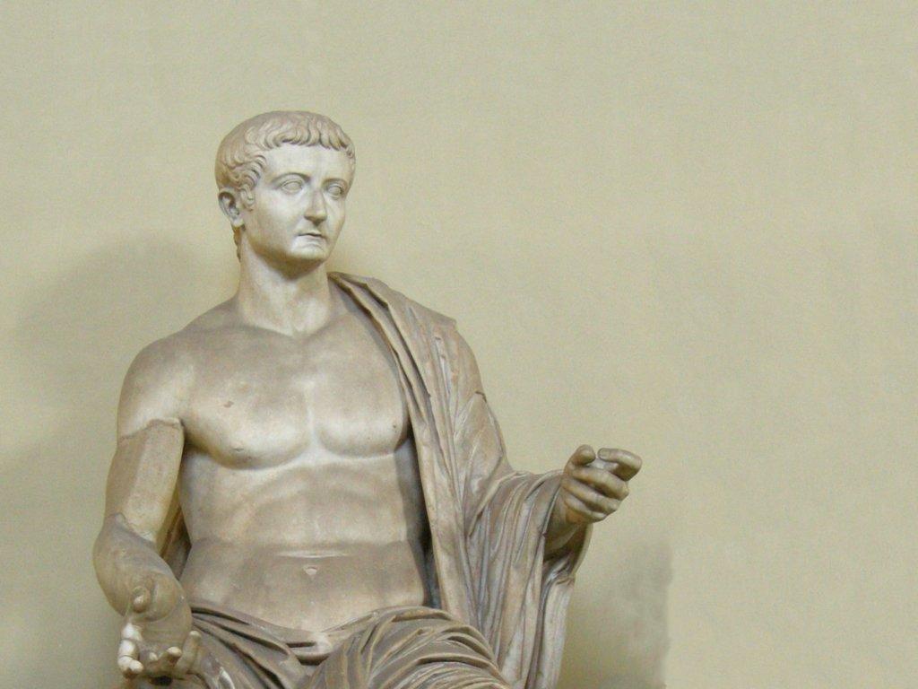 Statue de l'Empereur Tibère