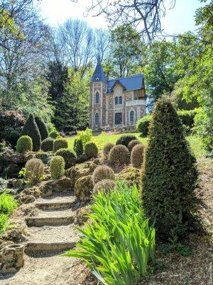 jardin à l'anglaise avec vue sur le château d'If